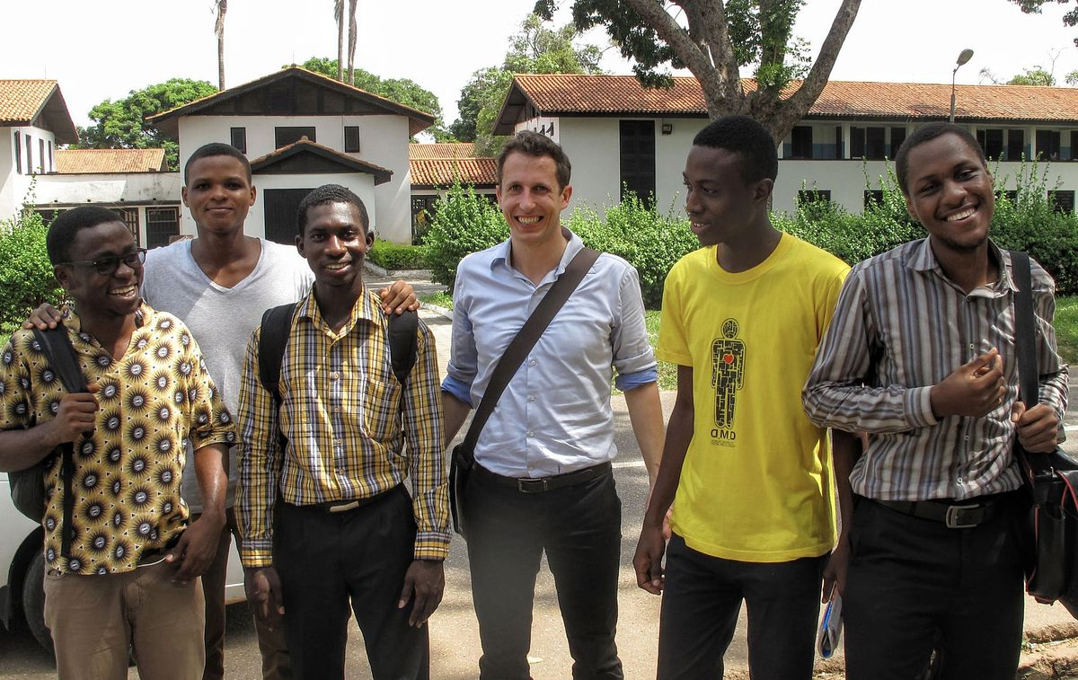 Thijs Mathot with University Students in Ghana_Brighter Investment_Invest for Good